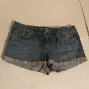 21 cuffed booty blue jean shorts sz 29